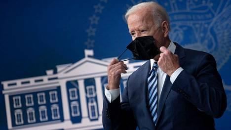Yhdysvaltain presidentti Joe Biden on määrännyt aiemmin salaisia asiakirjoja tehtäväksi julkisiksi. Biden puhui Valkoisessa talossa 2. syyskuuta.