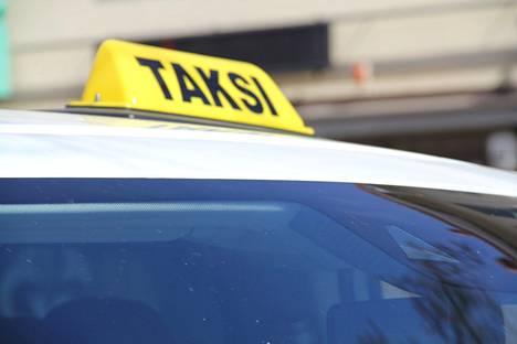 Taksiala muuttui kolme vuotta sitten, kun tiukasta sääntelystä luovuttiin.