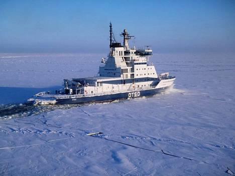 Vuonna 1986 valmistunut Otso lähti jäänmurtotöihin Perämerelle joulukuun puolivälissä. Jäänpaksuus pohjoisella Perämerellä vaihtelee 5–35 sentin välillä.