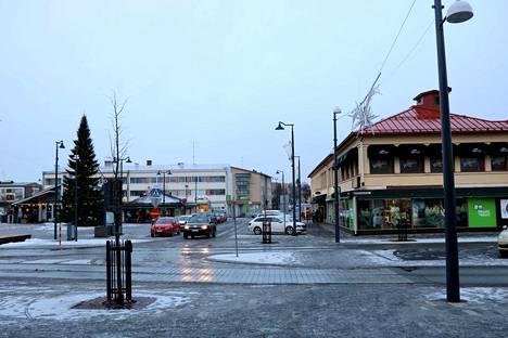 Jämsän uudistetun Keskuskadun avajaisia juhlittiin syyskuun lopussa. Remontin aikana muun maussa uusittiin kadun pinnoitteita sekä kaukolämpöverkkoa ja viemäröintejä. Nyt kadun muuttuneet liikennejärjestelyt ovat aiheuttaneet hämmennystä.