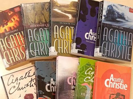 Kesälukemiseksi sopii mainiosti Agatha Christien klassikkodekkarit.
