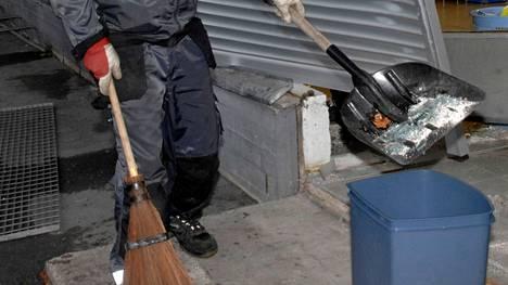 Pitkäaikainen toimija Valkeakosken Huoltosysteemi menettää Valkeakosken Asuntojen huollon ja siivouksen tämän kuun jälkeen kilpailijoille.