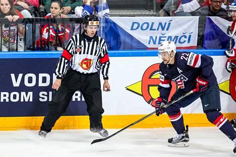 Jyri Rönn on toiminut Liigan erotuomarijohtajana vuodesta 2015 saakka. Saman vuoden toukokuussa hän oli tuomarina MM-kisojen pronssiottelussa USA–Tshekki.