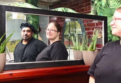 Adil ja Sanna Salai pyörittävät Sannan lounaskahvilaa Asemakadulla Sastamalassa. Aiemmin he ovat asuneet Turussa. Pariskunta on käynnistämässä ravintolaa myös Turkuun.