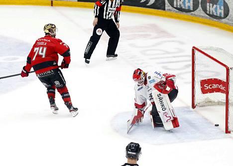 Peter Tiivola ratkaisi pelin taidokkaalla rankkarilla, joka yllätti Rasmus Reijolan.