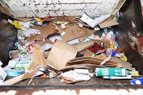 Kysyimme asiantuntijoilta, kuinka puhtaiksi kierrätettävät tavarat pitää saada ennen jätekatokselle kiikutusta.