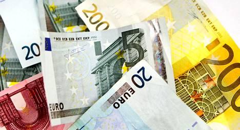 Sastamalan kaupungin henkilöstölle on luvassa 100 euron kertakorvaus, jos kaupunginhallitus hyväksyy esityksen.