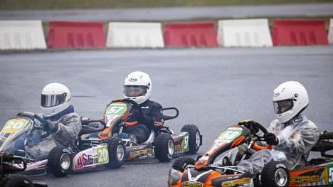 Kasper Korelin (58) ajoi ensimmäisessä kilpailussaan lauantaina. Kasperi Pekkarinen (57) oli toisessa kilpailussaan, mutta ensimmäisessä tämän kokoluokan tapahtumassa.