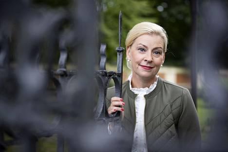 Mari Kaunistola katsoo, että entisenä poliisina hänellä on ymmärrystä turvallisuusulottuvuudesta erinäisissä kaupunkia koskevissa asioissa.