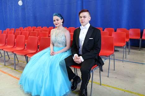Kankaanpääläiset Ellimaija Eloranta ja Roni Niemelä hetki ennen tanssien alkua.