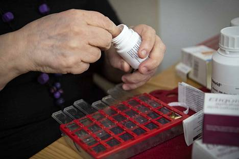 Kirjoittaja muistuttaa, että Porin perusturvan uuden tuottavuusohjelman tarkoituksena on hakea kustannussäästöjä, mutta ennen kaikkea nopeuttaa asiakkaan palveluiden piiriin pääsemistä sekä selkeyttää asiakkaan tarvitsemaa palvelukokonaisuutta.
