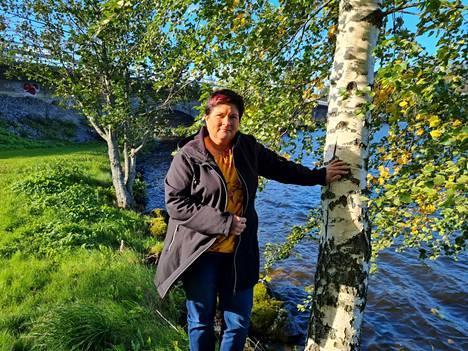 Leena Saarela on pitkän linjan kunnallispoliitikko Sastamalassa. Viime kuntavaalit uhkasivat jäädä väliin, koska Saarela sairastui syöpään. Nyt hän on aloittanut kolmannen valtuustokautensa.