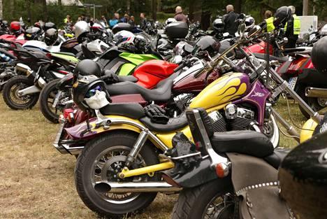 Kävijäennätys tehtiin elokuussa 2019, kun kahvilaan saapui noin 1000 motoristia.