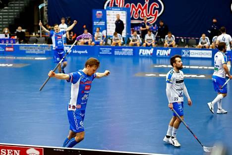 Classic voitti Nokian KrP:n tiukassa välieräsarjassa. Tamperelaiset menivät finaaleihin voitoin 4–3.