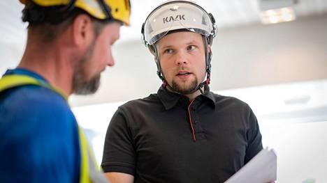 Hugo Trogenin luotsaama yritys tarjoaa julkiselle ja yksityiselle sektorille korjaus- ja uudisrakentamisen palveluja Satakunnassa ja Pirkanmaalla.