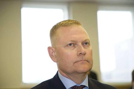 Karjalan lennoston entistä komentajaa, eversti Markus Päiviötä kuultiin perjantaina Helsingin hovioikeudessa hänen käytöksestä johtuneiden syytteiden vuoksi.