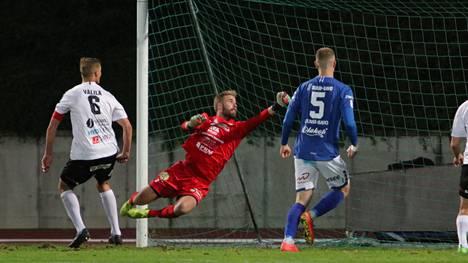 Olli Hakanpää piti MuSan maalin puhtaana Mikkelissä keskiviikkona. Kapteeni Jussi Välilä (6) sai ottelun viimeisillä minuuteilla keltaisen kortin.