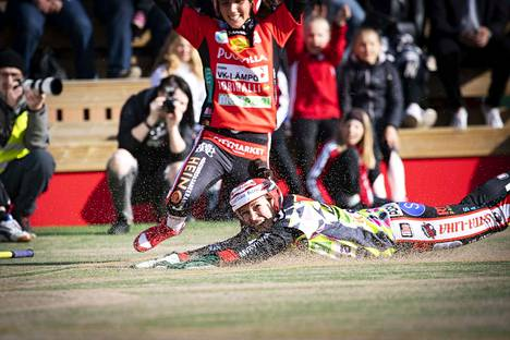 Milla Lindström löi kunnarin ja toi viisi juoksua.