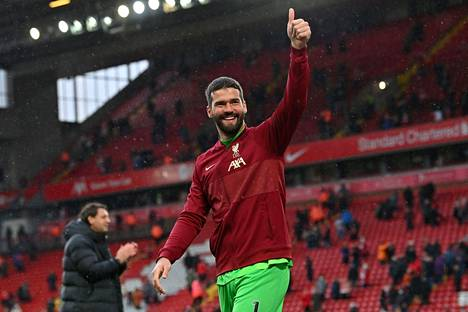 Alisson Beckerin ei tarvinnut pitkään pohtia jatkoaan Liverpoolissa.
