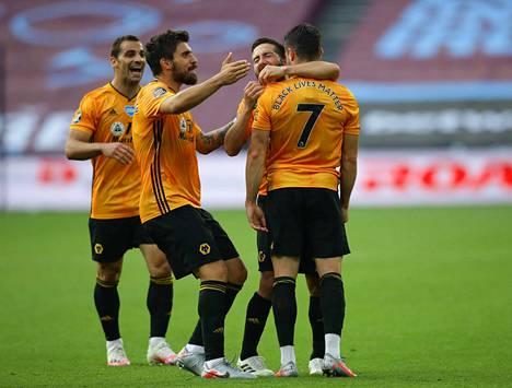 Wolverhampton pääsi juhlimaan jälleen voittoa.