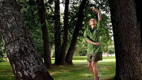 Kehokätköilyä kannustaa omaa kehoa kuuntelevaan liikkumiseen.