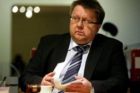 JSN:n entinen puheenjohtaja ja pitkän linjan toimittaja Pekka Hyvärinen on kuollut.