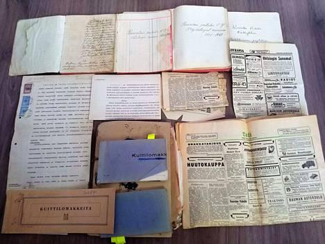 Viimeisen puheenjohtajan vintiltä löytyi Kuurolan Puhelin Oy:n lähes täydellinen asiakirja-arkisto.