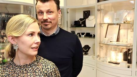 Jonna ja Miikka Lumme ovat olleet Naantalin Hopeapajan yrittäjiä vuodesta 2013.