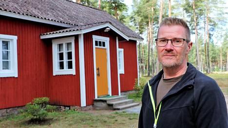 Aluevartijan talo on jo saanut uuden punamullan kylkiinsä, ja lokakuussa Mika Lavonius aloittaa talossa sisäremontin. Taloa voi vuokrata vuodenvaihteesta lähtien.