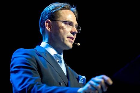 Kokoomuksen puheenjohtaja Jyrki Katainen pystyi nostamaan puolueensa kannatusta vuoden 2011 eduskuntavaalien jälkeen, vaikka kokoomus kantoi raskainta vastuuta pääministeripuolueena. Kesäkuussa 2014 Katainen ilmoitti yllättäen luopuvansa puolueensa puheenjohtajuudesta.