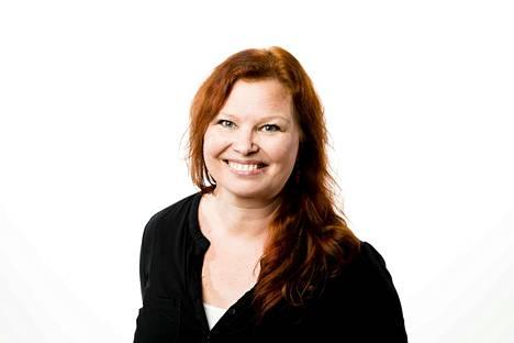 Toimittaja Rebekka Härkönen. Kolumnikuva.