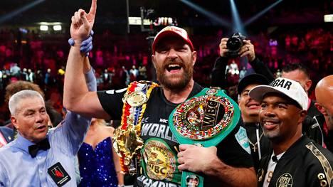 Tyson Fury juhli voittoaan Las Vegasissa 9. lokakuuta.