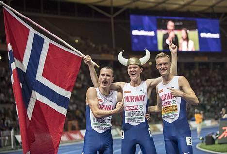 Henrik (vas.), Jakob ja Filip Ingebrigtsen ovat kaikki 1 500 metrin Euroopan mestareita.