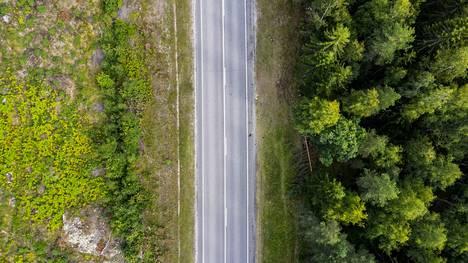 Onnettomuus tapahtui Porintiellä, Alisen ja Lähdeniityn välisellä suoralla tieosuudella elokuussa 2020.