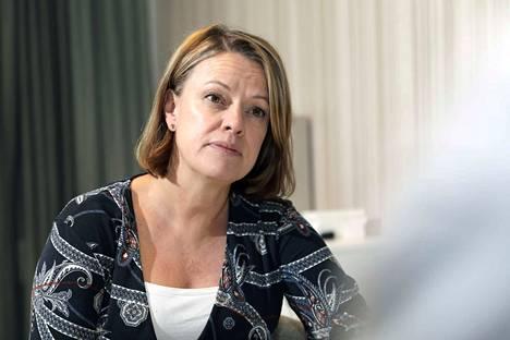 Attendon toimitusjohtaja Virpi Holmqvist muistuttaa, että hoivakodit ovat nimenomaan koteja eivätkä sairaaloita.