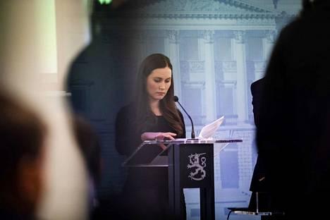 Pääministeri Sanna Marin (sd.) ja hallitus kertovat vielä maanantai-iltana, mitä he ovat kokouksessaan tänään päättäneet.