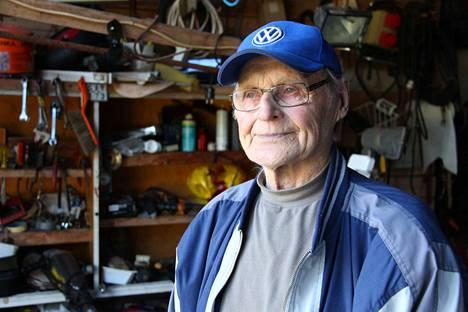 89-vuotias Antti Karipalo on koko ikänsä asunut Merikarvialla. Hän asuu synnyinkodissaan.