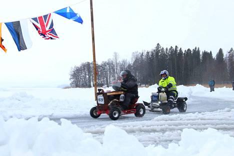 Ruohonleikkureiden Le Mans -kilpailut on käyty viitenä talvena Karhijärven jäällä Laviassa. Nyt jäätä ei ole, ja kisa käydään katuradalla Lavian keskustassa.