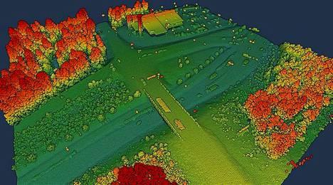 Uudessa laserkeilausohjelmassa tuotetaan Maanmittauslaitoksen mukaan entistä tarkempaa maanpinnan kolmiulotteista tietoa. Kuvassa Pieksämäellä tehdyssä koetuotannossa syksyllä 2019 laserkeilattu liittymä.