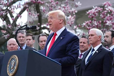 Presidentti Donald Trumpin puhe perjantai-iltana sai pörssin nousuun Yhdysvalloissa.