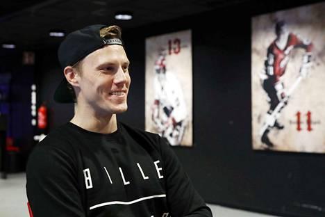 Niklas Appelgren tykkää pelata Helsingin vanhassa jäähallissa.