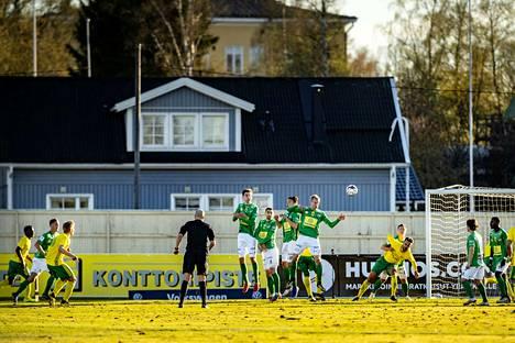 Lauri Ala-Myllymäki laukoi 3–2-voittomaalin vapaapotkusta lisäajan viidennellä minuutilla.