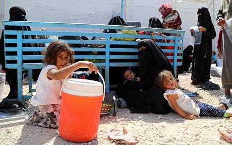 Olosuhteet al-Holin leirillä Syyriassa ovat huonot. Kuvan lapset eivät liity juttuun.