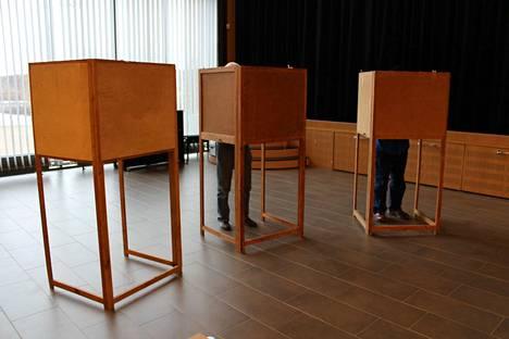 Eduskuntavaalit ovat saaneet aikaan kuohuntaa. Vaalipäivä on 14. huhtikuuta sunnuntaina. Kuvituskuva.
