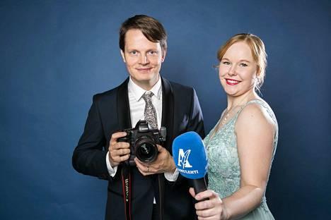 Kuvaaja Ossi Ahola ja toimittaja Enni Mansikkamäki raportoivat Linnan juhlista.