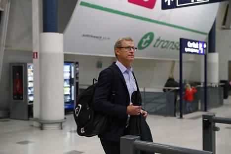Markku Kanerva johti joukkonsa Helsinki-Vantaalle lauantaina.