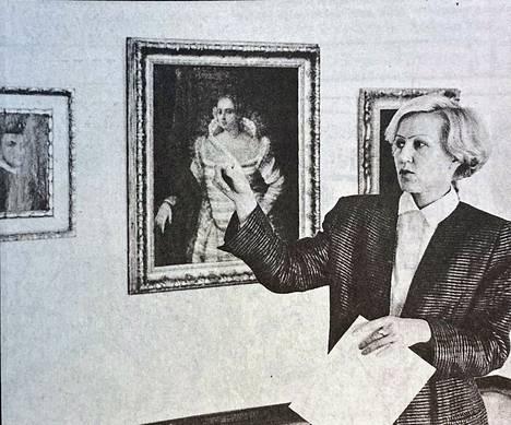 Gösta Serlachiuksen taidemuseon johtaja Maritta Pitkänen uskoo museon  selviävän rahoitukseen liittyvästä kriisistä. Säästötoimilla eli museon sulkemisella talvikaudeksi halutaan taata ensi vuoden toimintaedellytykset. Säästötoimet johtuivat päärahoituslähteen eli osinkotulojen vähenemisestä.