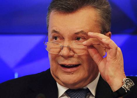 Entinen presidentti Viktor Janukovitsh esiintyy julkisuudessa enää Venäjällä. Kuva hänen Moskovassa pitämästään lehdistötilaisuudesta tämän vuoden helmikuulta.