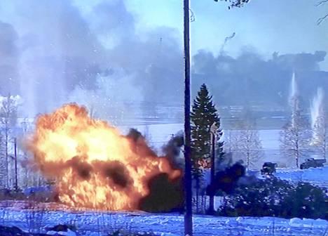 Teuvo Mujon tekemä dokumenttielokuva Talvisota-elokuvan kuvauksista Haapamäeltä tulee televisiossa ensi-iltaan torstaina 28. marraskuuta. Kuvakaappaus dokumenttielokuvasta Näin tehtiin Talvisota-elokuva.