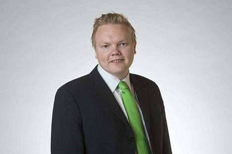 Keskustan eduskuntaryhmän puheenjohtaja Antti Kurvinen on tyytyväinen nopeatempoiseen riiheen. –Korkeakoulutus saa rahansa. Teimme nyt tällaisen arvovalinnan, hän toteaa.